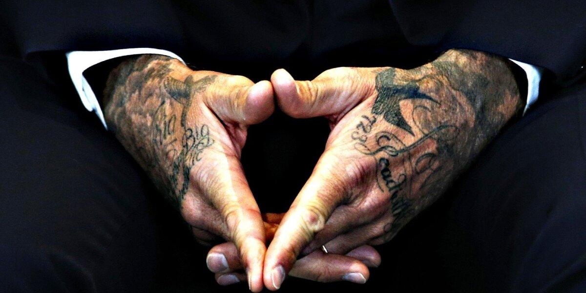 """Kovos su smurtu prieš vaikus kampanijoje """"atgijo"""" D. Beckhamo tatuiruotės"""