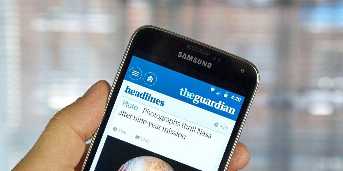 """Buvęs """"The Guardian"""" redaktorius kaltina feisbuką pasiglemžus 20 mln. svarų įplaukų"""