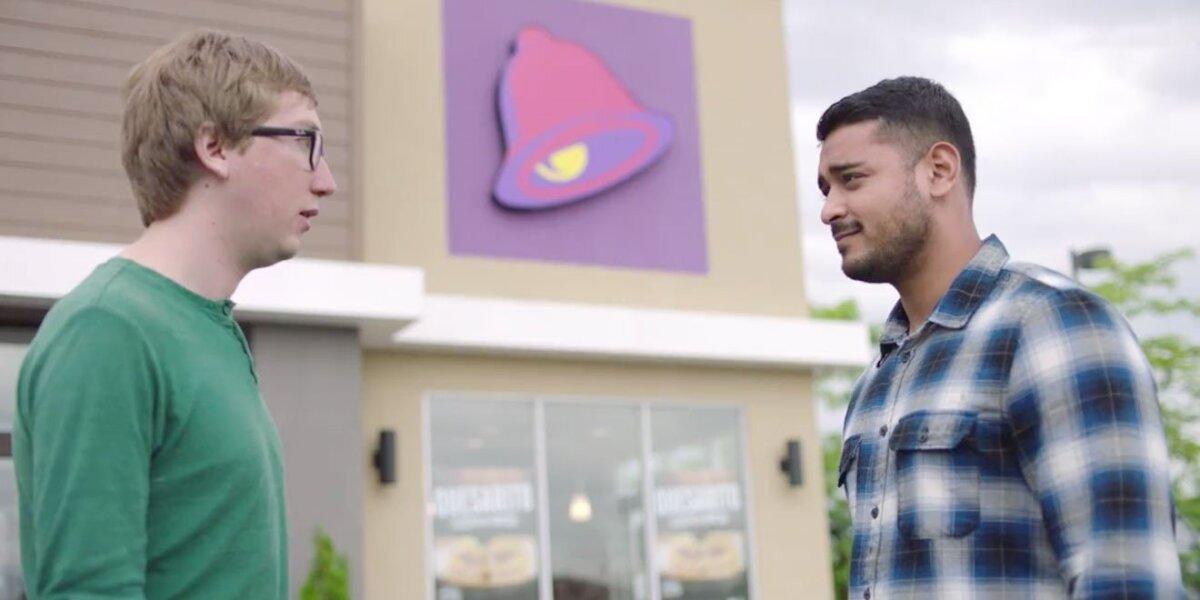 """""""Taco Bell"""" išsityčiojo iš ašaras spaudžiančių reklamų"""