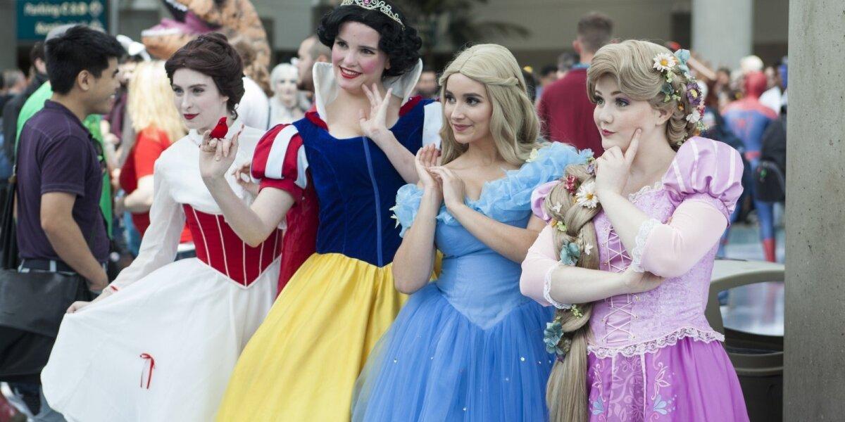 """Televizijos produkcijos kūrėjai verčiami permąstyti """"žalingą"""" princesių kultūrą"""