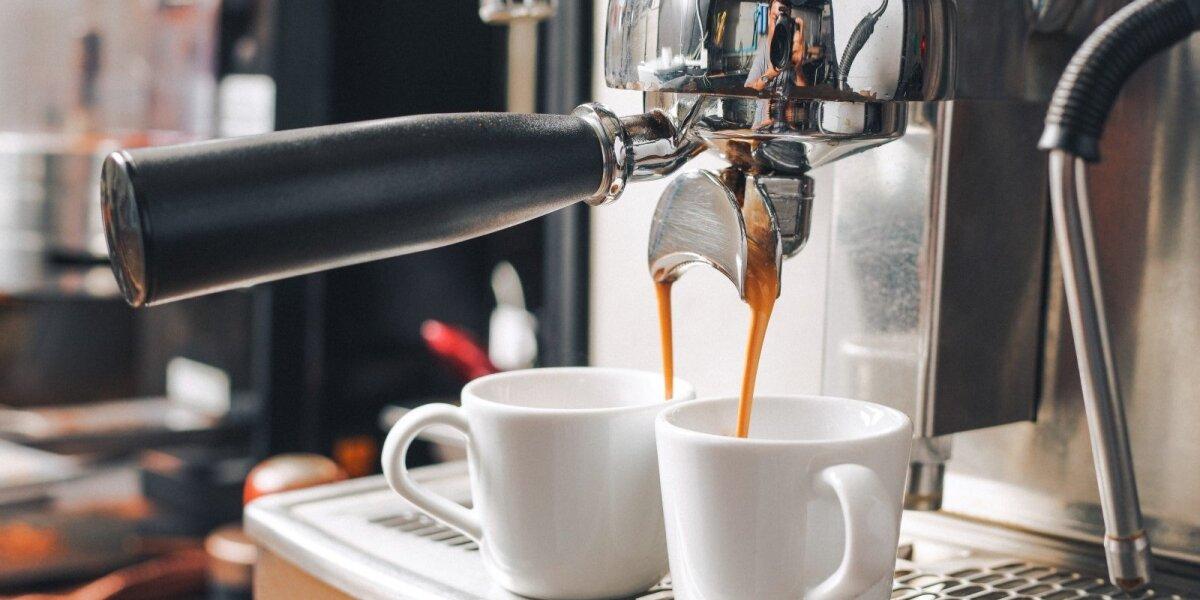 Agentūros eksperimentas: norėdama geriau suprasti klientus pradėjo prekiauti kava ir akiniais