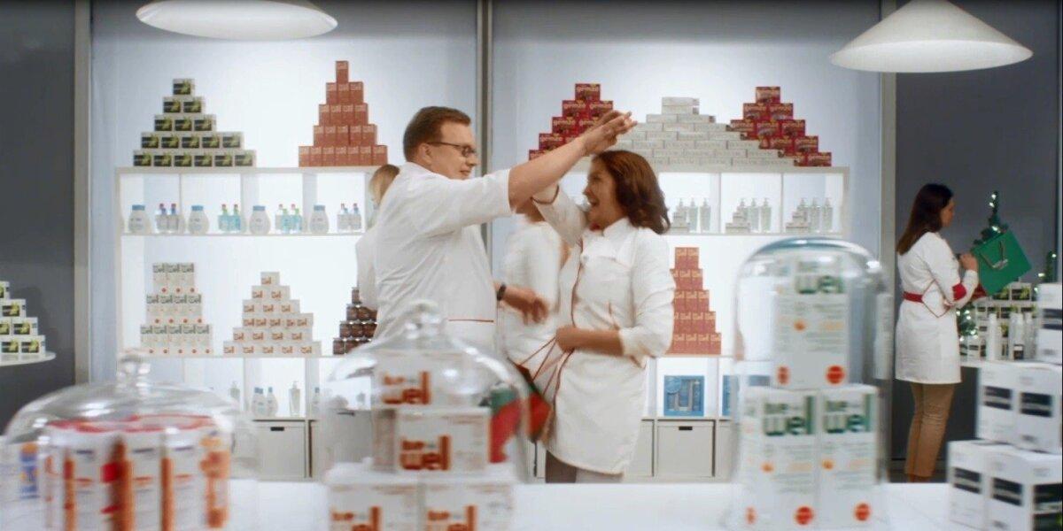 """Šventinės """"Eurovaistinės"""" reklamos herojumi tapo vaistininkas Petras"""