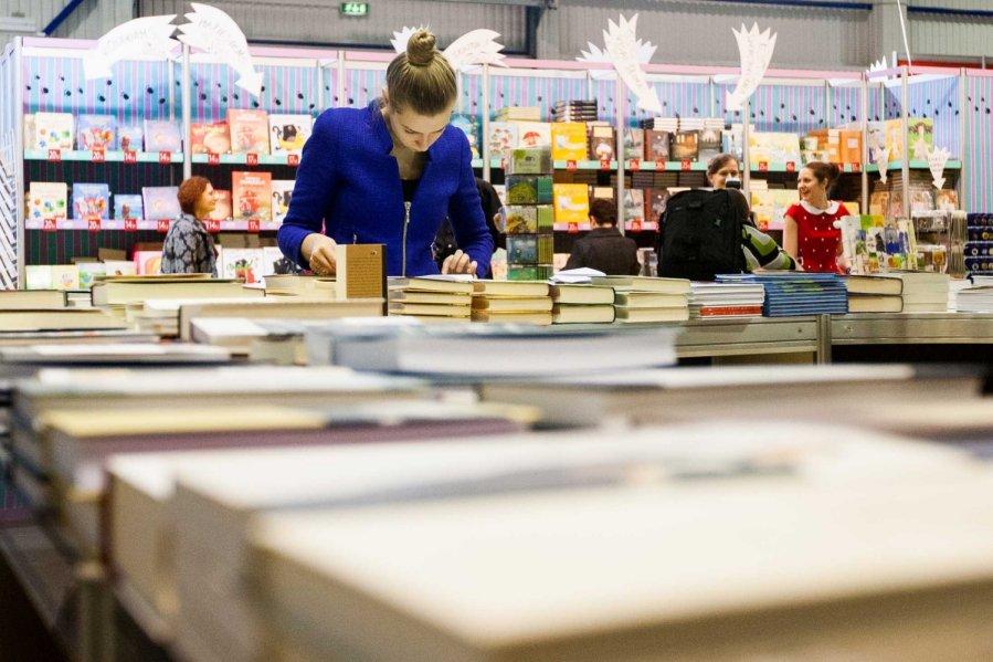 Vis dar Vilniaus knygu muges ritmu: ar tikrai knygas cia galima ...