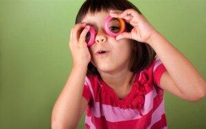 Vaikų pašaipos dėl akinių – jau praeityje?