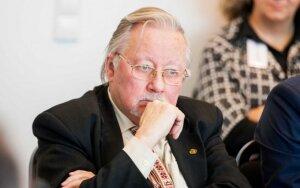 V. Landsbergis: ES planuojamos sankcijos Rusijai – tai viščiukų sankcijos smaugliui