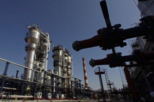 Saudo Arabijos naftos ministras: mums gali tekti pratęsti naftos gavybos mažinimą