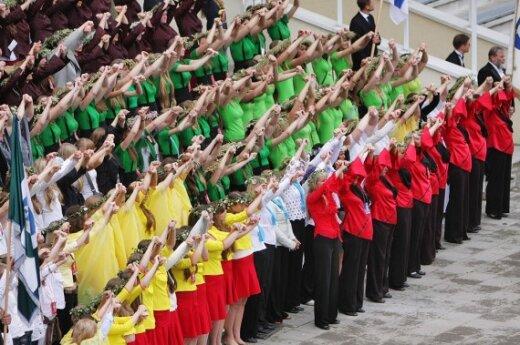 На заключительном концерте Праздника песни – больше 10 000 участников