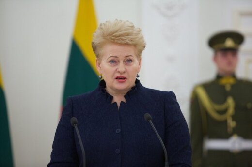 Lithuanian president to discuss 2015 challenges with foreign ambassadors