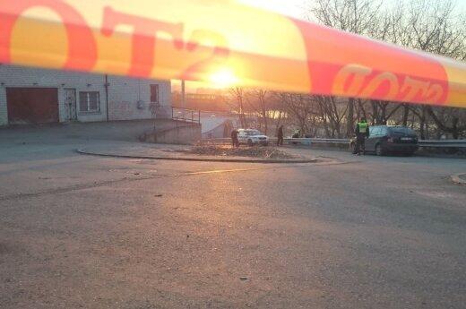 В Каунасе в контейнере обнаружен труп мужчины, задержаны подозреваемые