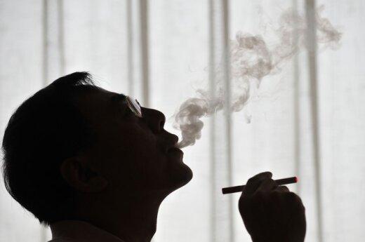 Europarlamentarams užteko sveiko proto: elektroninių cigarečių neprilygino vaistams