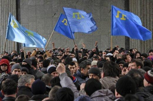 Kryme – V. Janukovyčiaus gerbėjų ir opozicijos susidūrimas