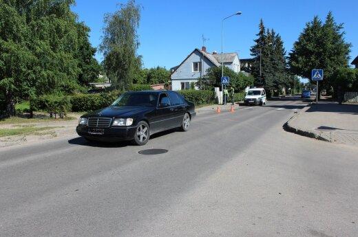 Telšiuose žuvo automobiliu partrenkta senolė