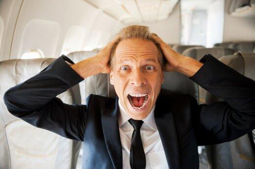 Gėdos stulpas: pamatykite, ką lėktuve išdarinėja keleiviai