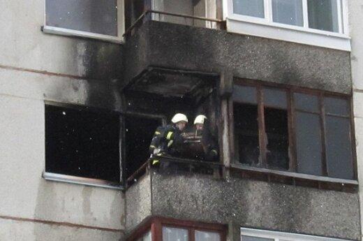 В Вильнюсе горела квартира в девятиэтажном доме