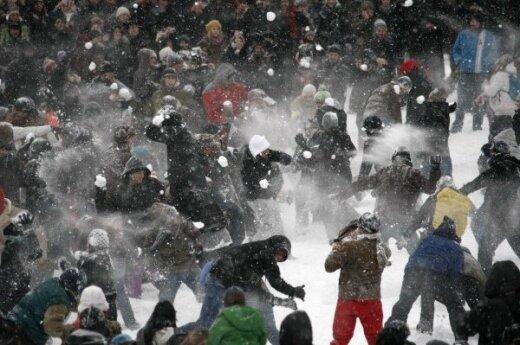"""Rosja: W Petersburgu policja udaremniła """"Śnieżną bitwę"""""""