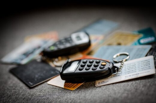 Ką reikia žinoti apie bankų sąskaitų tikrinimą