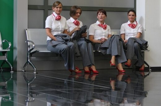 Уволенные мексиканские стюардессы выпустили эротический календарь