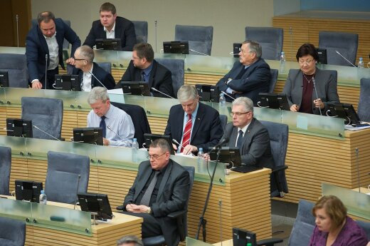 Exchange of threats after second attempt at holding extraordinary Seimas session fails
