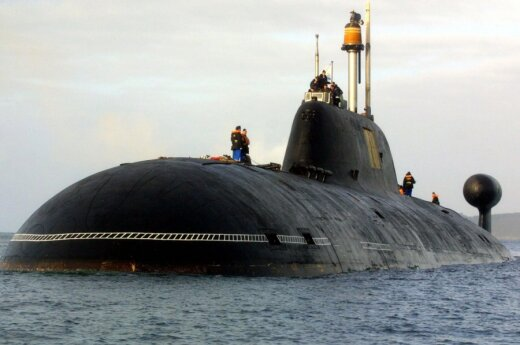 """Povandeninis laivas """"Akula II"""" pavadintas """"INS Chakra II"""""""