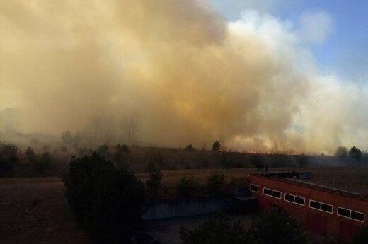 Vilniaus padangę aptemdė gaisro dūmai