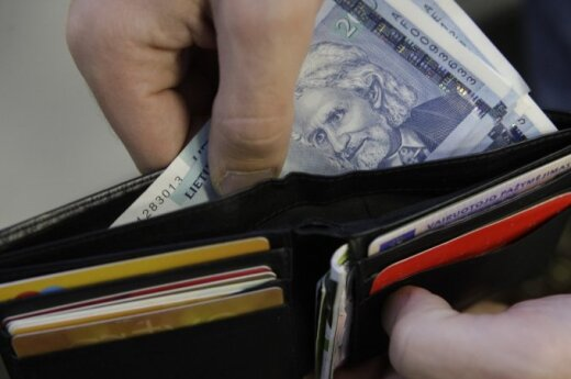 Рассказали, сколько в Литве в месяц тратит семья
