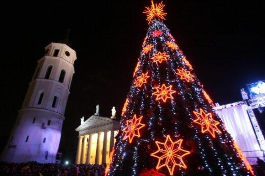 На Кафедральной площади столицы зажгли Рождественскую елку