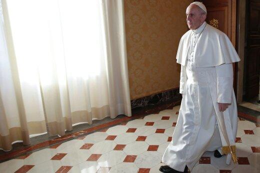 """Папа Римский раскритиковал использование слова """"мать"""" в названии американской бомбы"""