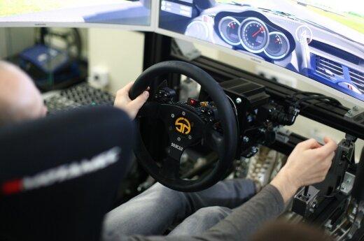 Startavo pirmasis Lietuvoje virtualių žiedinių lenktynių čempionatas
