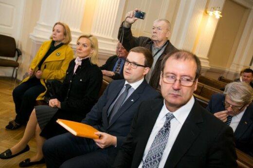 """Seimas atmetė siūlymą aiškintis Darbo partijos """"juodosios buhalterijos"""" lėšų kilmę"""
