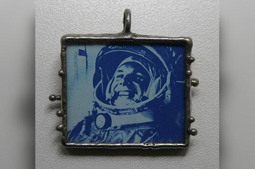 A. Pogrebnojaus mėgstamas aksesuaras su J. Gagarino atvaizdu.