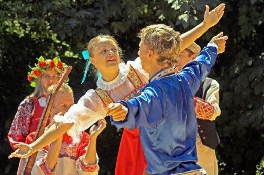 Новая тенденция: русский с русским говорит… по-литовски