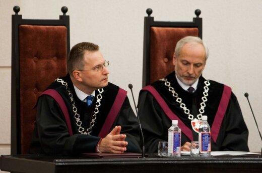 Sąd Konstytucyjny: Podwójne obywatelstwo tylko w drodze wyjątku