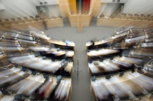 Siūloma netaikyti teisinės neliečiamybės Seimo nariams