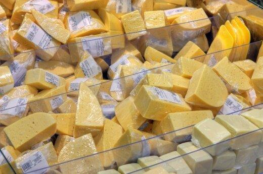 Кубилюс обещает рассмотреть вопрос повышения цен на молоко