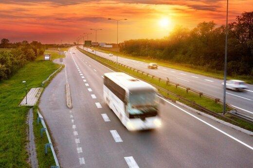 Jaunimas vis dažniau renkasi keliones autobusais
