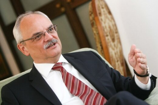 Polish Ambassador Jaroslaw Czubinski