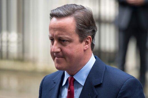 D. Cameronas juokauja, kad jam nebereikės klausytis slapta įrašytų D. Trumpo pokalbių