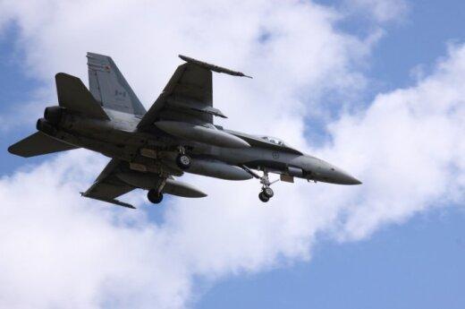 """Kanados karališkųjų oro pajėgų naikintuvas F-18 """"Hornet"""", A. Gedrimo nuotr."""