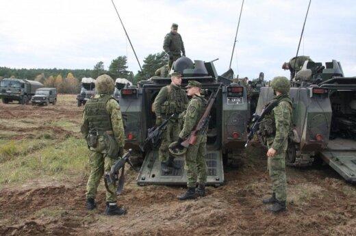 Lietuvos kariai dislokuojasi poligone Lenkijoje