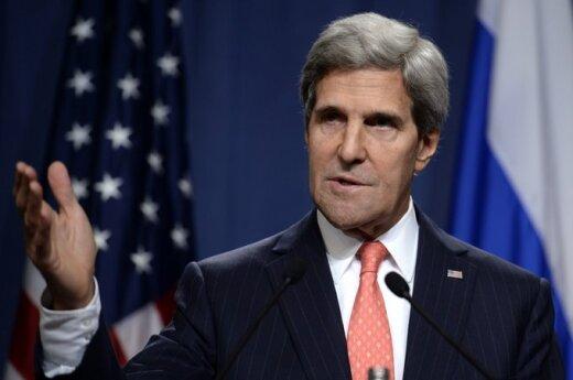 Керри: США рассматривают все варианты - от санкций до военных действий