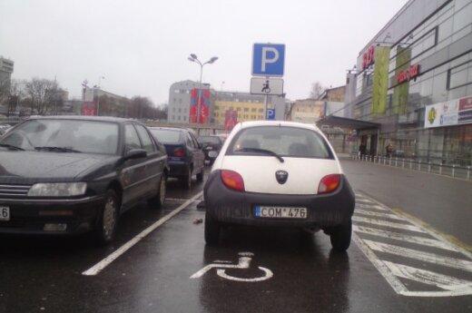Vilniuje, Savanorių pr., prie Rimi. 2009-11-11, 10.07 val.