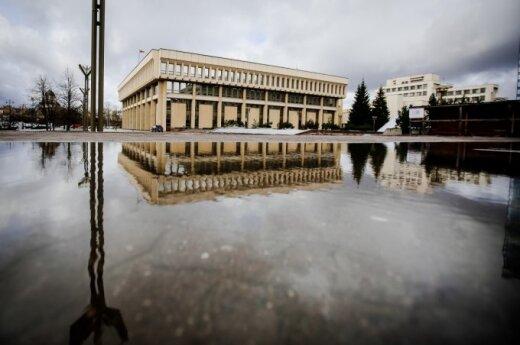 Seimui bus pateiktas siūlymas mažinti parlamentarų skaičių, perkelti rinkimų datą