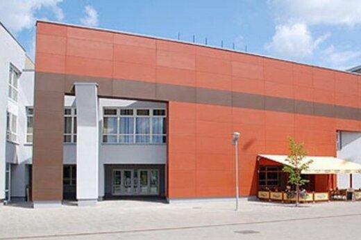 """75-ąjį sezoną Plungės kultūros centre - teatralizuoti renginiai ir """"Mis Plungė"""" konkursas"""