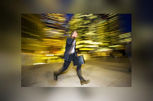 Verslininkas bėga, vėluoti
