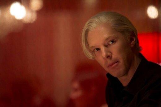 """Benedictas Cumberbatchas filme """"Penktoji valdžia"""""""