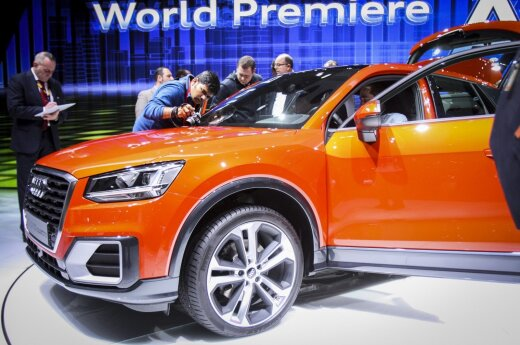 """""""Audi"""" naujiena Ženevoje žurnalistus traukė it medus"""