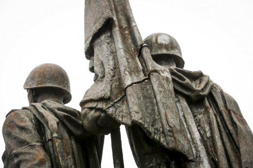 Ant Žaliojo tilto nebesvarstoma statyti naujų skulptūrų