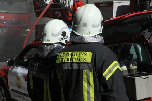 Пожарные тушили жилой дом в Каунасе