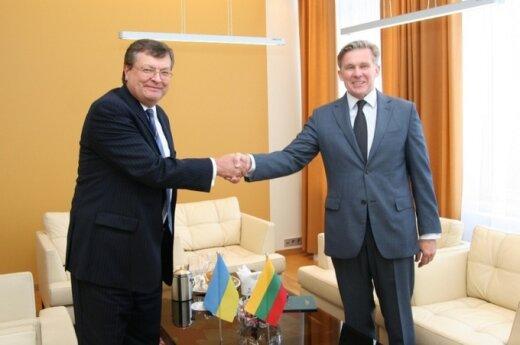 Ukrainos užsienio reikalų ministras K.Hryščenka ir Lietuvos užsienio reikalų ministras A.Ažubalis