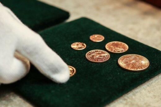 Pristatytas auksinių monetų lobis rastas Užupyje